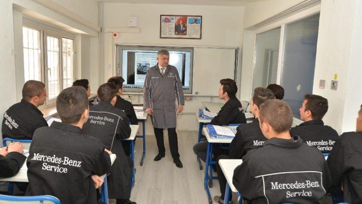 Mercedes-Benz Türk'ten Mesleki eğitime tam destek