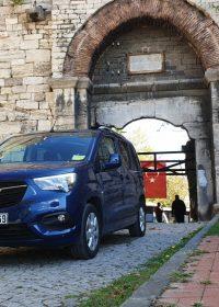 Opel Combo Teknoloji ile Donandı