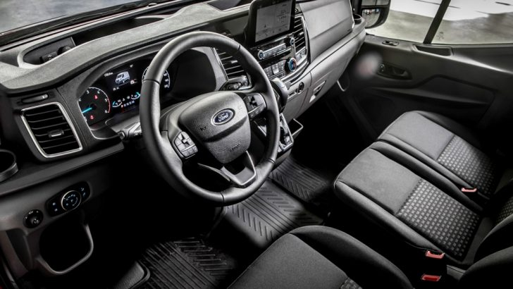 Mustang şanzımanlı Transit
