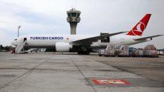 Turkish Cargo, kıtalararasında kurduğu hava kargo köprüsüyle Kovid-19 aşılarını taşıyor