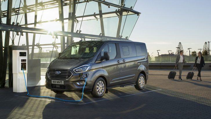 Ford Tourneo Custom Plug-In Hybrid'i tanıttı
