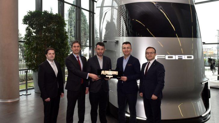 Ford Trucks, Arkas Lojistik'e 55 adet Uluslararası Yılın Kamyonu (ITOY) ödüllü F-MAX'in teslimatını tamamladı